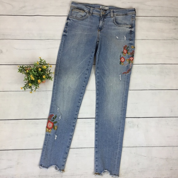 3063e3a2 Zara Jeans | Light Wash Embroidered Distressed | Poshmark